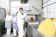 Arbeit in der Spülküche