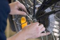 Alte Räder werden für die Wiederverwendung aufge