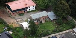 Hier ist die Wohngruppe Boostedt aus der Luft zu sehen