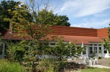 Blick auf die Terasse des Pflegehauses von Haus Eichengrund in Rendsburg