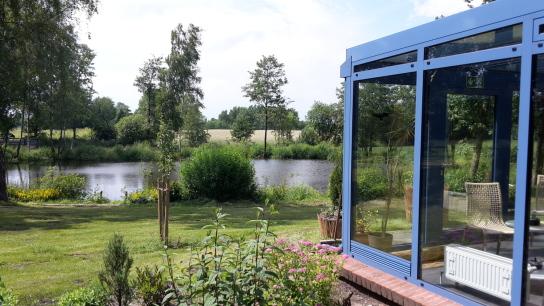 Wintergarten und Teich