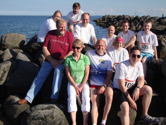 Alle Läufer und Helfer als Gruppenbild