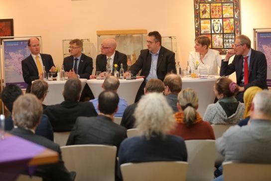1. Werkstattgespräch mit Jörg Bülow, Heiko Naß, Rolf-Oliver Schwemer, Stefan Studt, Doris Kratz-Hinrichsen und Stefan Kläsener (v.l.)  (Foto Michael Staudt)