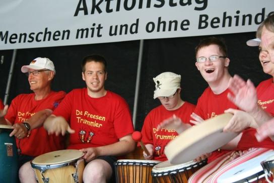 Die Freesen Trummler aus Niebül eröffneten lautstark das Programm.