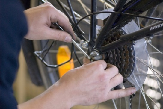 Alte Räder werden für die Wiederverwendung aufgearbeitet