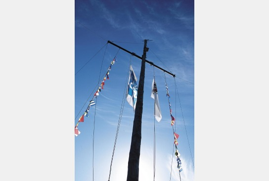 Beflaggter Mast der Pamir