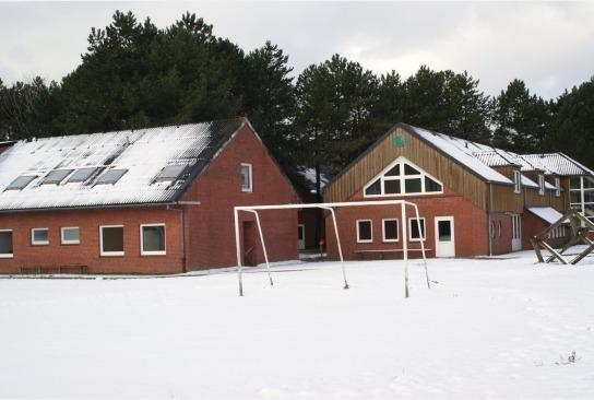 Bolzplatz im Schnee