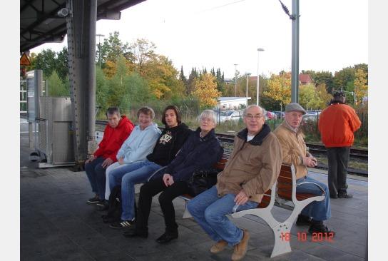 ...warten auf den Zug...