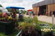 Verkauf von Floristik, Gemüse und vielem mehr zum