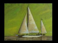 Dreimaster auf dem Wasser mit grünem Hintergrund