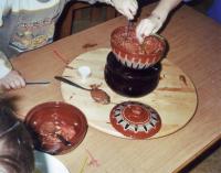 ... und dann mit großer Begeisterung in Schokolade getaucht