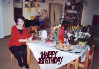Die ehemalige Erzieherin der Kita Knirpsenland feierte glücklich ihren 90. Geburtstag in ihrer alten Wirkungsstätte
