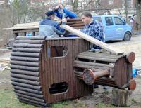 Frisches Holz für alten Zug