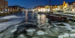 Der Hafen von Husum in winterlicher Stimmung.
