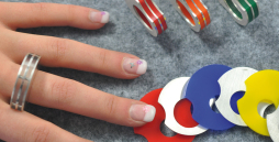 Ein Ring mit individueller Farbgestaltung