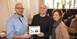 Markus Steinkötter vom Media Store der Kieler Nachrichten, Dennis Krabbenhöft und Barbara Schäckel (IBAF).