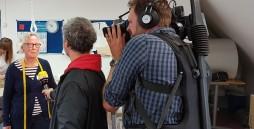 Filmaufnahmen in der Textilgruppe der Werkstätten Materialhof
