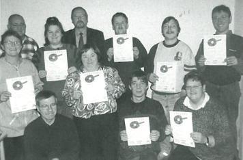 Stolz auf ihre Auszeichnungen: Beschäftigte des Holländerhofes