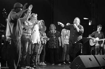 Rockten das Musik in uns Festival: Simply the Best und ihr Stargast Gustav Peter Wöhler