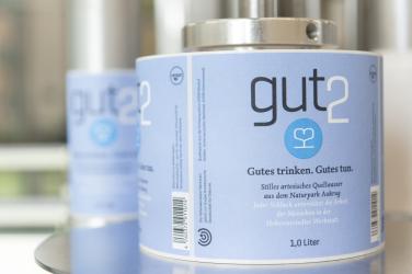 Das Bild zeigt das Etikettiergerät der gut2-Abfü