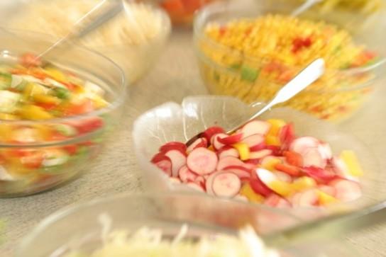 Bild: An unserem Salatbuffet können Sie aus Salatvariationen wählen