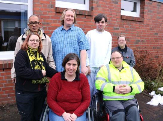 Die Mitglieder des Werkstatt-Rates vom Haupthaus und vom Rögen 4 auf einem Gruppenbild