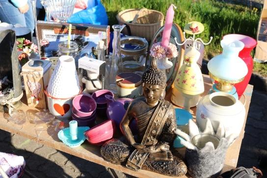 Die unterschiedlichsten Sachen gibt es auf dem Flohmarkt.