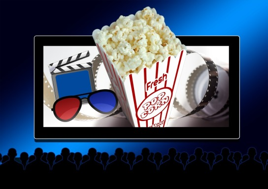 Kinoleinwand mit Popcorn