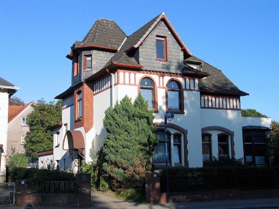 Die Villa Schützenstraße von Außen.