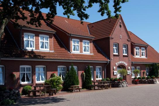 Aussenansicht des Hotel und Restaurant Dravendahl der Husumer Werkstätten in Breklum