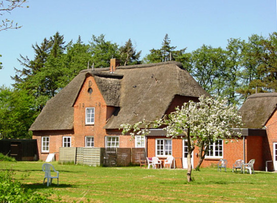 Haupthaus - Blick vom großen Garten