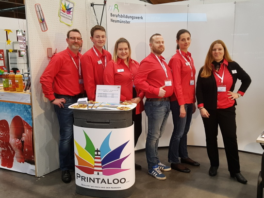 Die Auszubildenden und Ausbilder der Printaloo GmbH