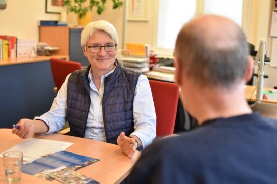 Gemeinsam mit  Klienten der Werkstätten Materialhof informiert Dipl. Sozialpädagogin Grosser am 28. Juni 18 um 14:00 Uhr im café tagespost über Teilhabe am Arbeitsleben für Menschen mit psychischen Handicaps.