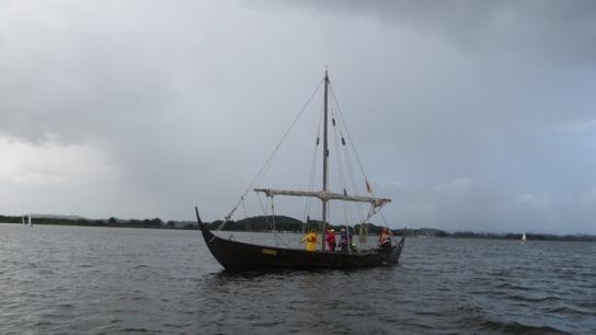 Wikingerschiff Sigyn ohne Besegelung auf der Schle