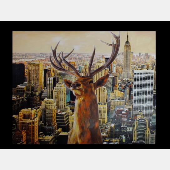New Yorker Gebäude im Hintergrund und Hirsch im Vordergrund