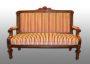 2-sitziges Stilsofa. Möbelstoff Romo - Cantello. Aufgearbeitet 2007.