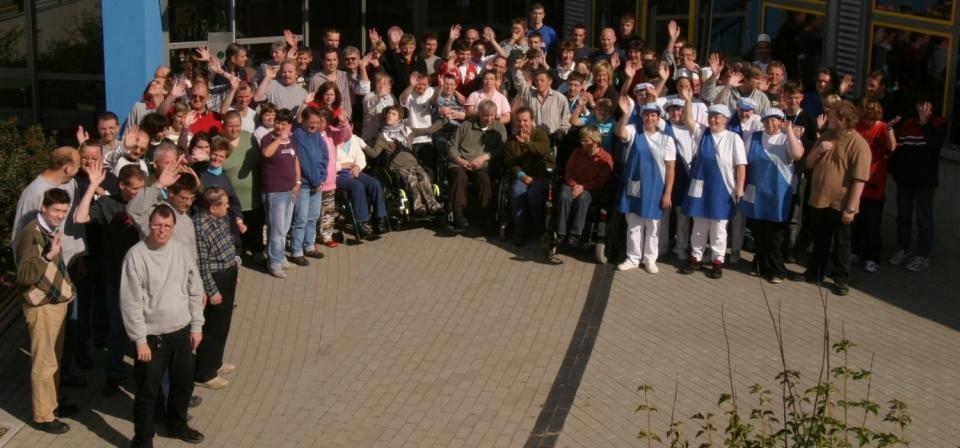 Gruppenfoto der Beschäftigten des Dwewerkes